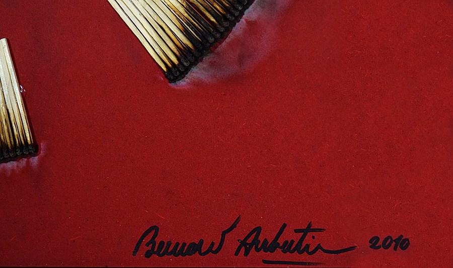 Dessin de Feu sur Table Rouge - Bernard Aubertin (1934 - 2015)